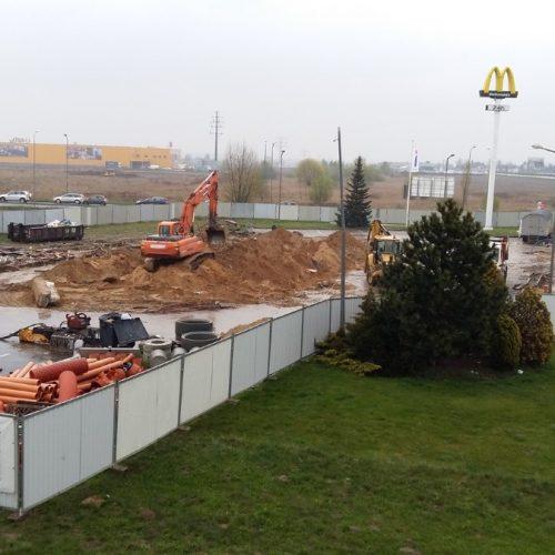 Roboty wyburzeniowe podnową restaurację sieci McDonald's, Komorniki k. Poznania, 2017