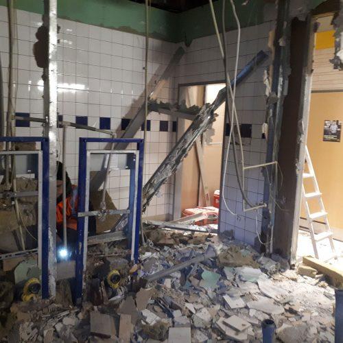 Prace modernizacyjne  restauracji McDonald's; Piła, Plac Powstańców Warszawy, 2019