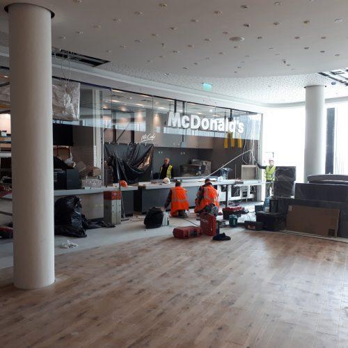 Budowa restauracji McDonald's wGalerii Handlowej SOLARIS CENTER przy placu Kopernika wOpolu, 2019